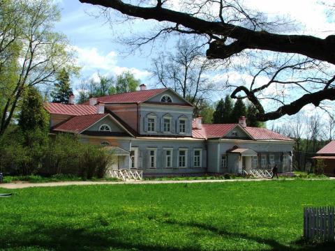 Большой дом в Абрамцево